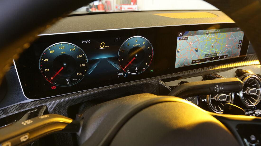 Mercedes A 200 7G-DCT, Interieur