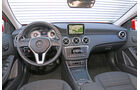 Mercedes A 250 4Matic, Cockpit