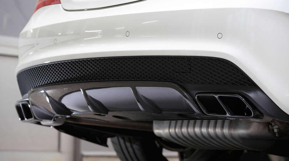 Mercedes-AMG CLA 45, Endrohre