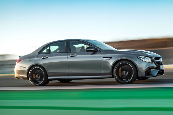mercedes amg e 63 4matic 2017 612 ps und driftmodus. Black Bedroom Furniture Sets. Home Design Ideas