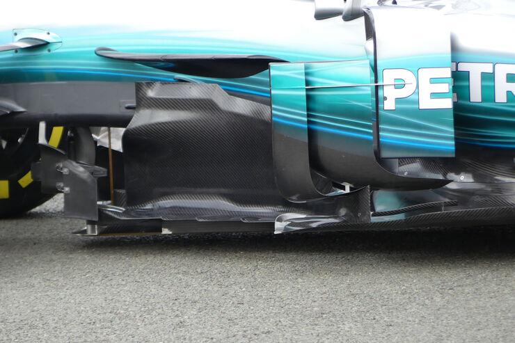 https://imgr2.auto-motor-und-sport.de/Mercedes-AMG-W08-F1-Auto-2017-fotoshowBig-144c2561-1008698.jpg