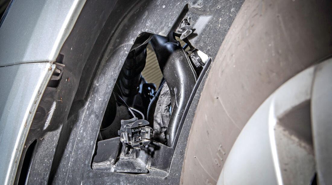 Mercedes B-Klasse, Demontage