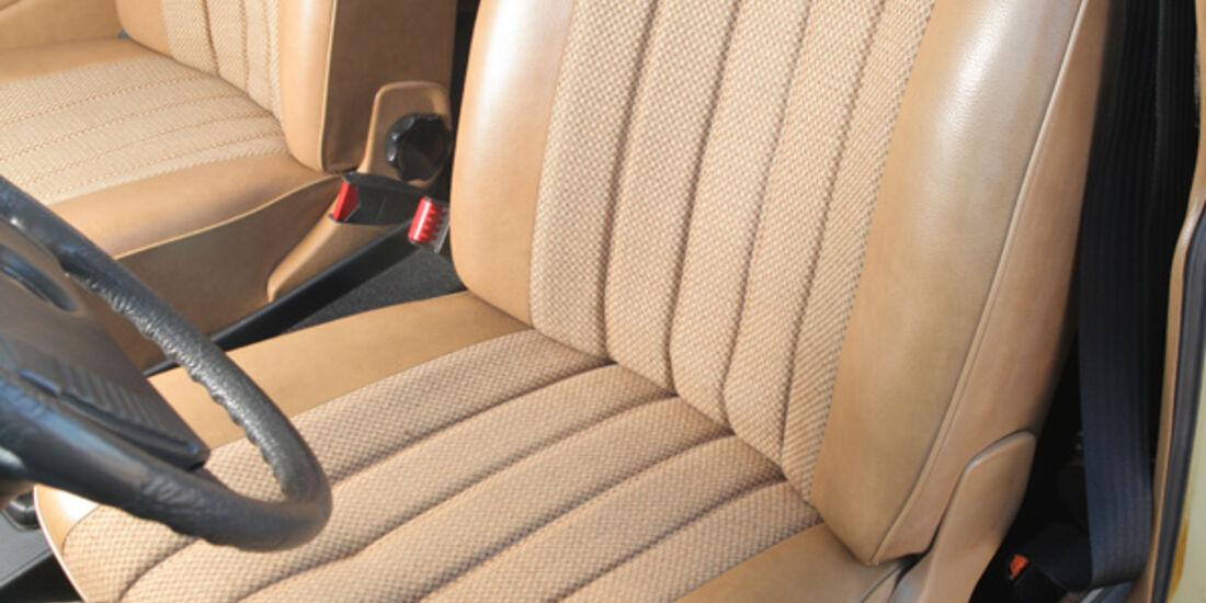 Mercedes-Benz 230.4, Fahrersitz