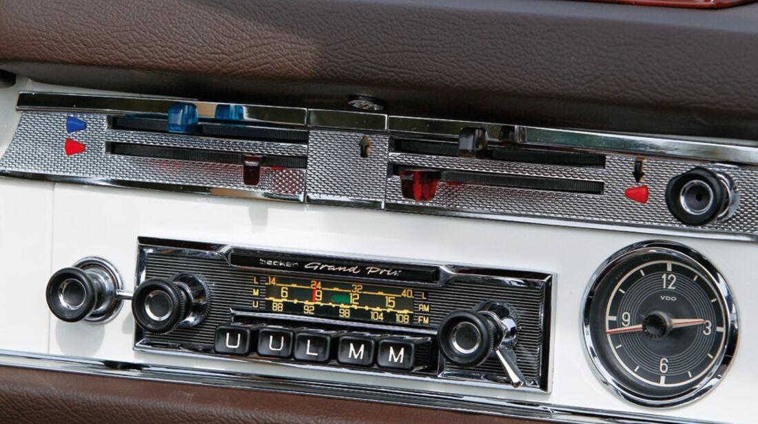 Mercedes-Benz 230 SL Radio