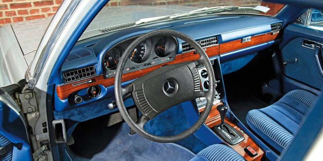 Mercedes-Benz 280 SE, Cockpit, Lenkrad