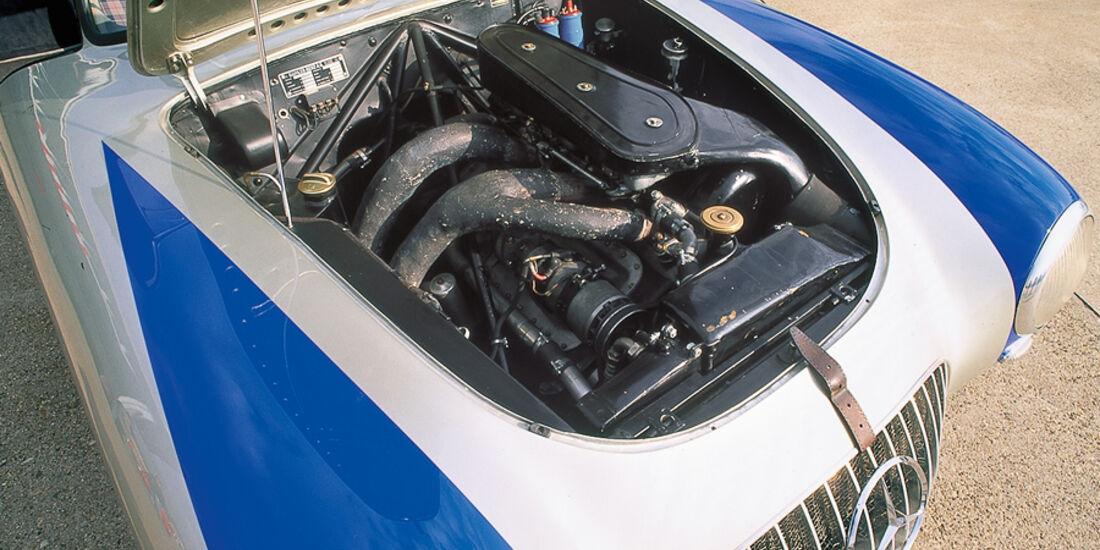 Mercedes-Benz 300 SL (W 194), Motor