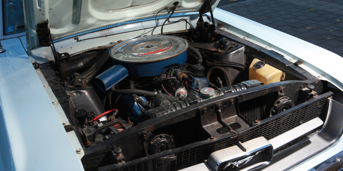 Mercedes Benz 500 SL R107, 1989, Motorraum, Detail