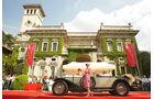 Mercedes-Benz 710 SS Sport Tourer stilgerecht präsentiert bei der Villa Erba Villa d'Este 2010.