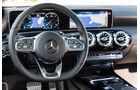 Mercedes Benz CLA 220, Cockpit