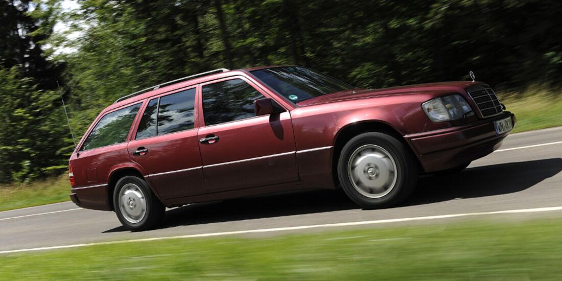 Mercedes-Benz E 280 T, Seitenansicht