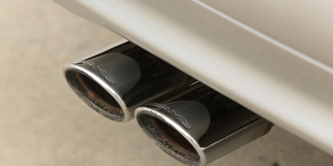Mercedes-Benz E50 AMG, Auspuff, Endrohre