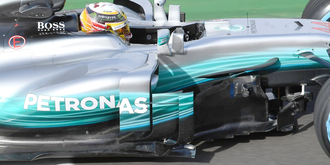 Mercedes-Benz F1 W08 Hybrid First Run