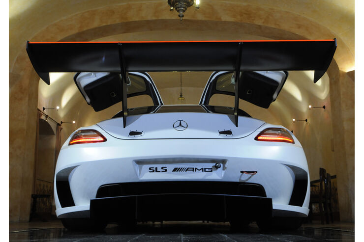 mercedes sls amg gt3 rennwagen f r den kundensport der. Black Bedroom Furniture Sets. Home Design Ideas