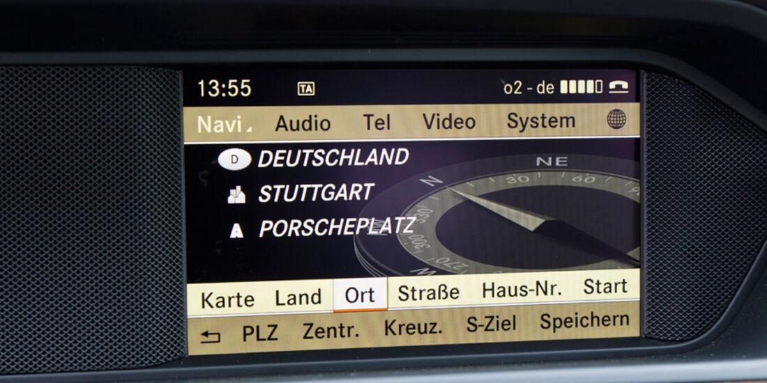 Mercedes C 200, Bildschirm, Programm