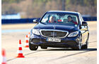 Mercedes C 400 4Matic, Frontansicht, Slalom