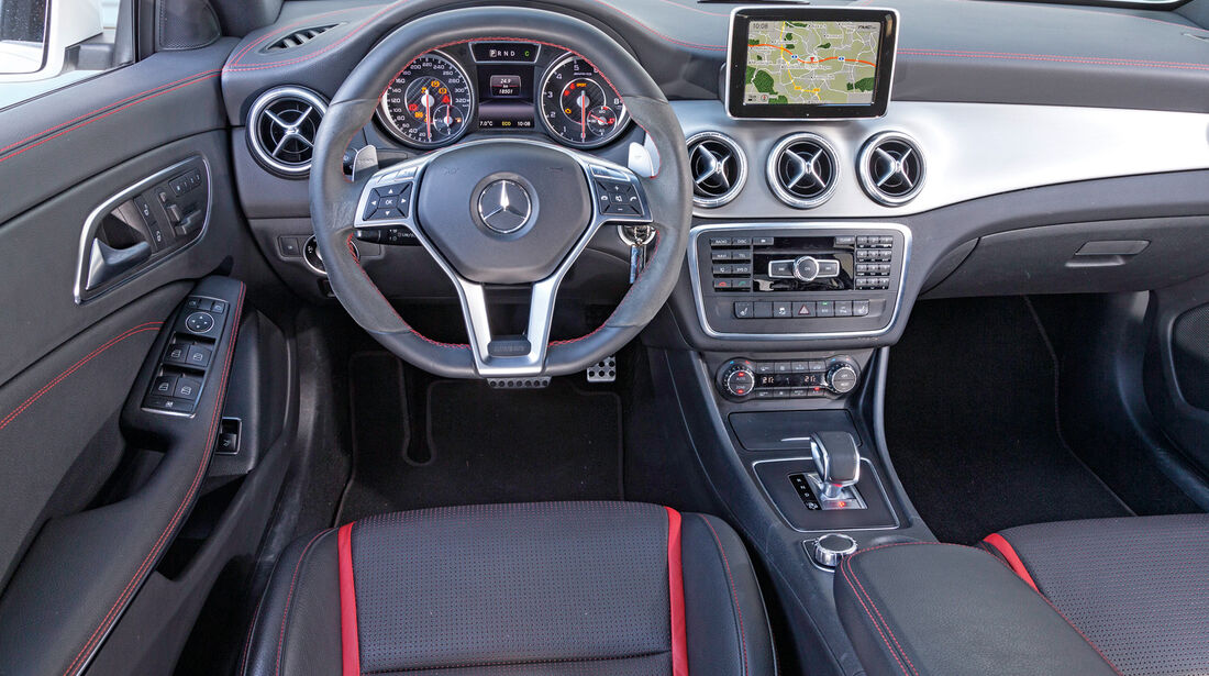Mercedes CLA 45 AMG 4MATIC, Cockpit