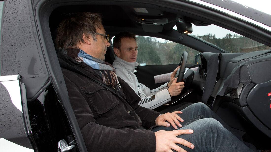 Mercedes CLA, Cockpit