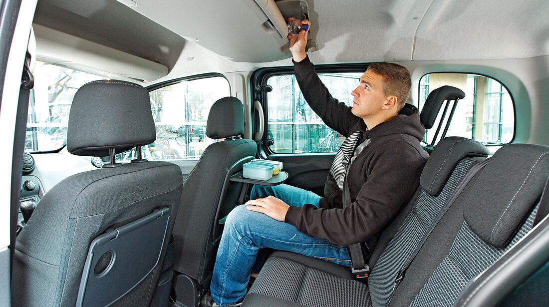 Mercedes Citan 109 CDI, Rücksitz, Beinfreiheit