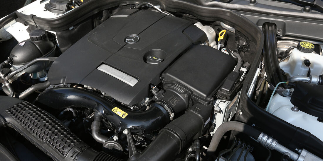 Mercedes E 200, Motor