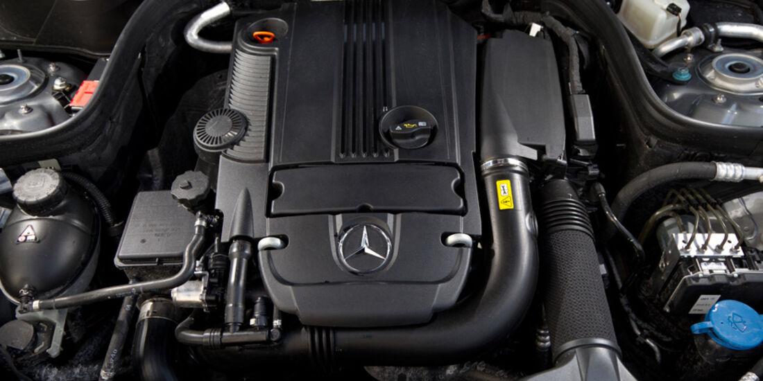 Mercedes E 200 T Avantgarde, Motor