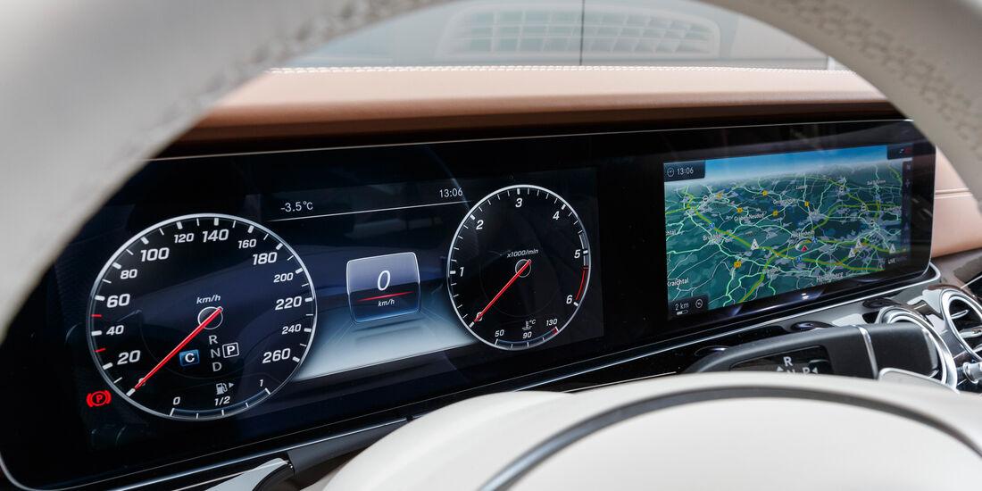 Mercedes E 350 d, Anzeigeinstrumente