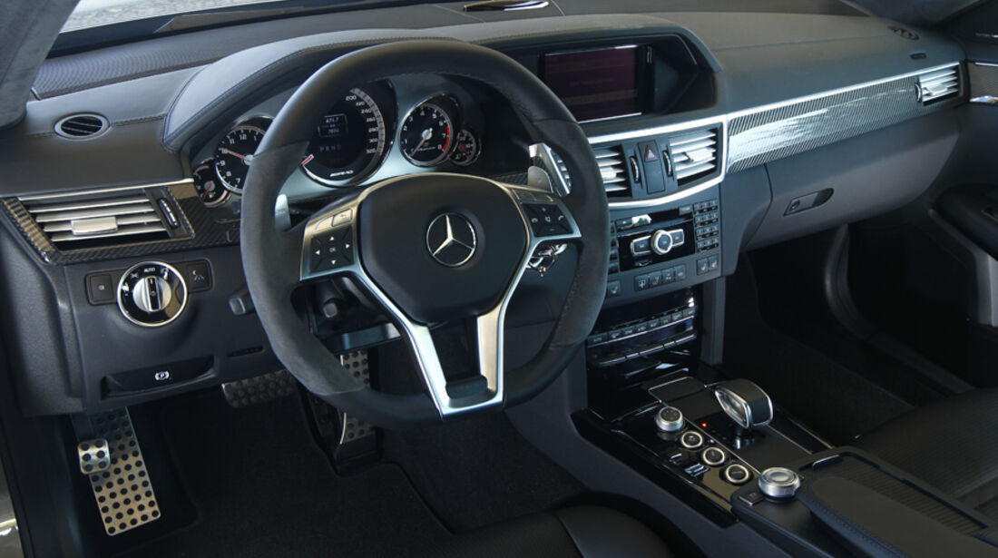 Mercedes E 63 AMG, Cockpit