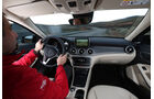 Mercedes GLA, Cockpit, Fahrersicht