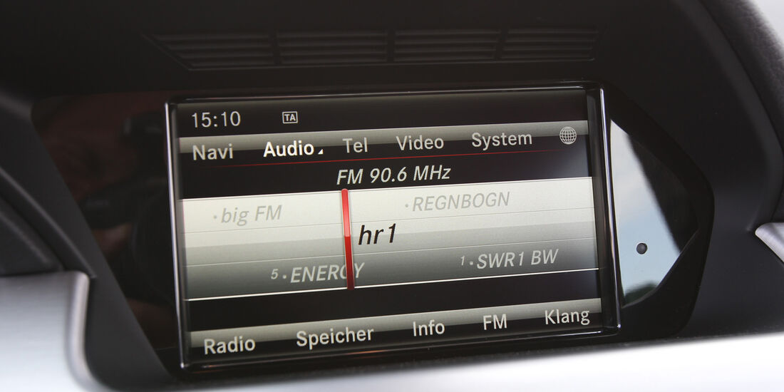 Mercedes GLK 250 Bluetec 4-Matic, Radio