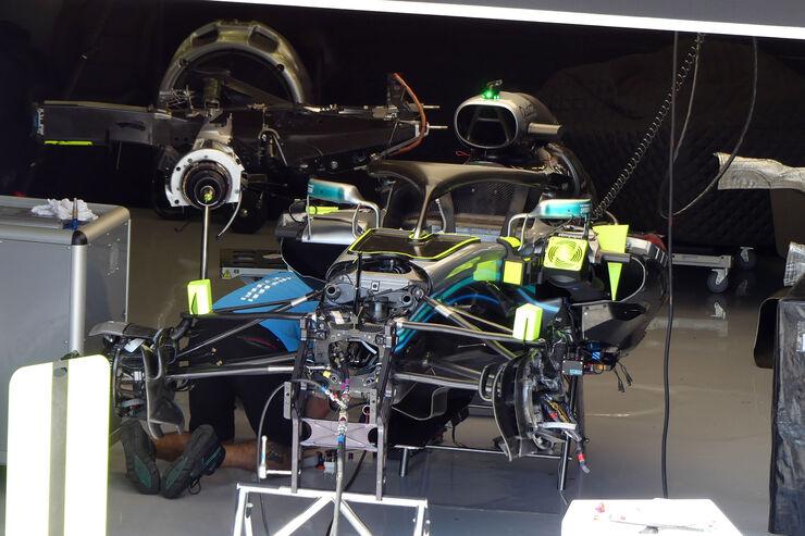 https://imgr2.auto-motor-und-sport.de/Mercedes-GP-Ungarn-Budapest-Formel-1-Mittwoch-25-7-2018-fotoshowBig-1aa6a47a-1178978.jpg