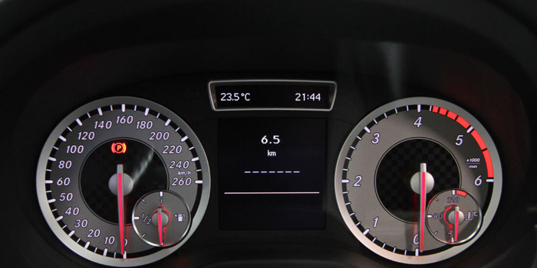 Mercedes Konzernabend Auto-Salon Genf 2012 Premiere A-Klasse Detail Instrumententafel