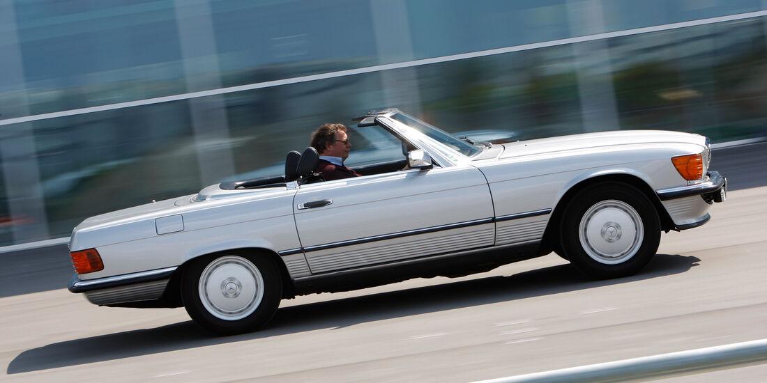 Mercedes R_107, Seitenansicht