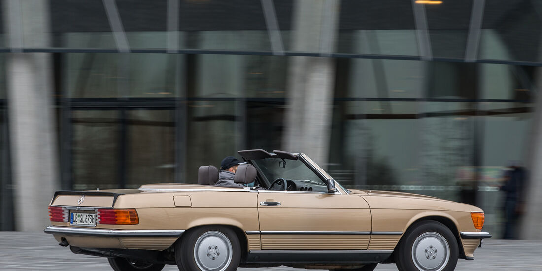 Mercedes R107, Seitenansicht