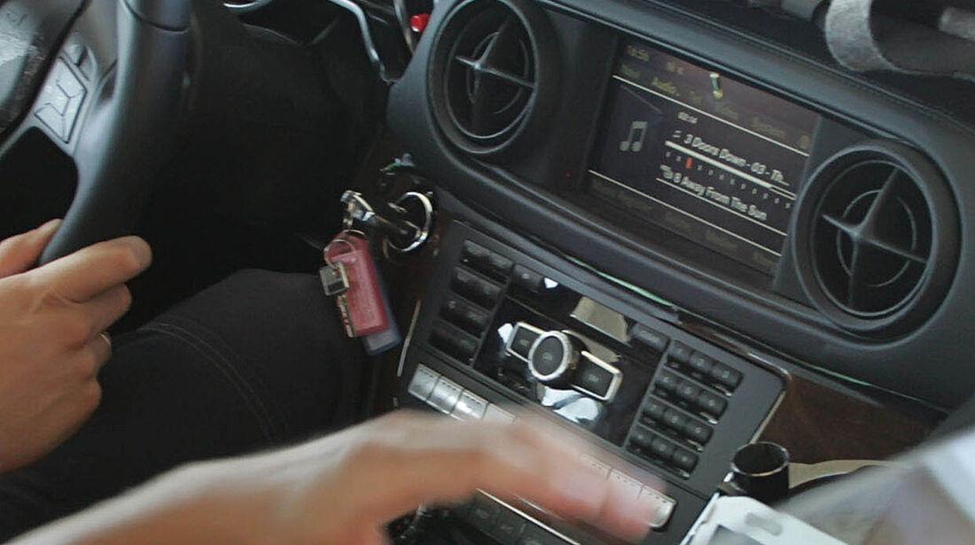Mercedes SL Erlkönig Cockpit