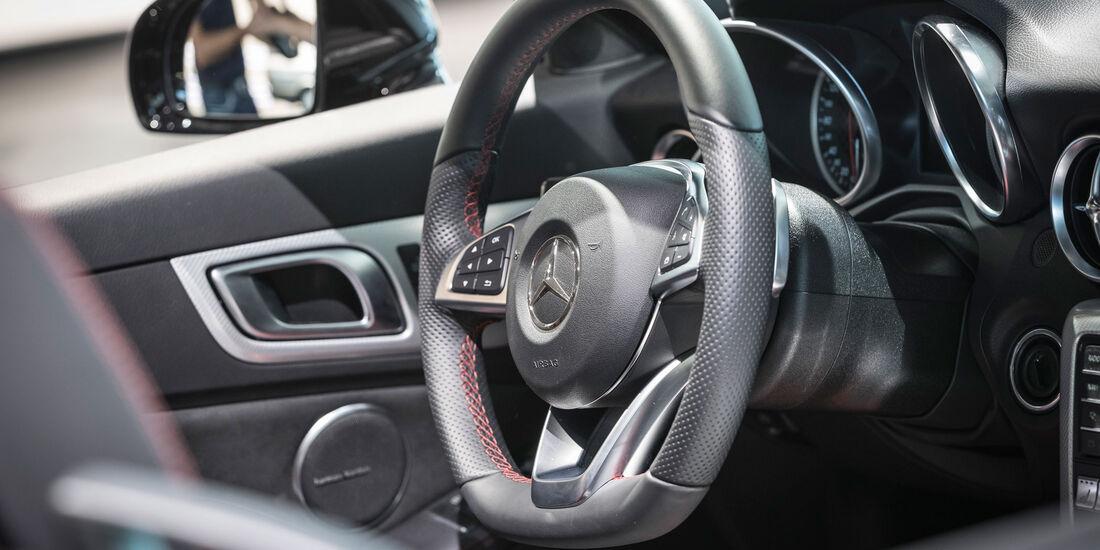 Mercedes SLC 43 - Lenkrad - Roadster - Mercedes-Museum