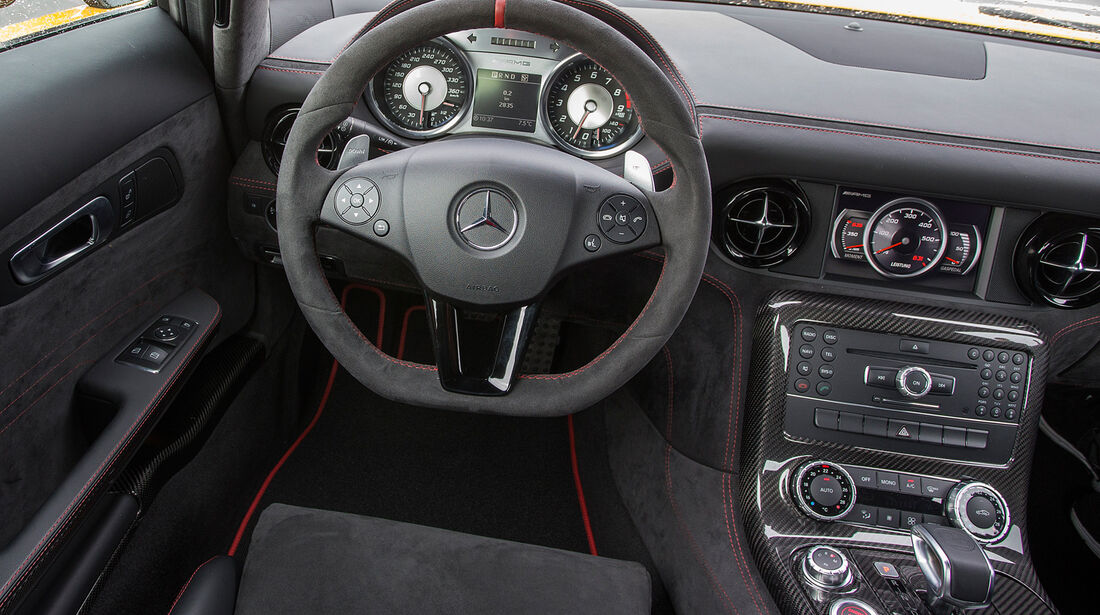 Mercedes SLS AMG Black Series, Cockpit, Lenkrad