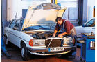 Mercedes W 123, Motor, Werkstatt