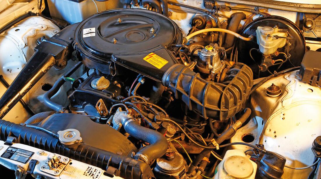Mercedes W 123, Motor