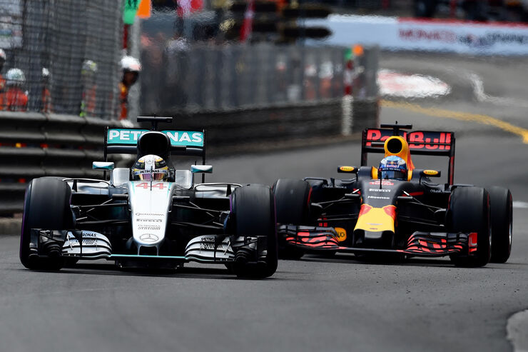 Mercedes vs. Red Bull - GP Monaco 2016