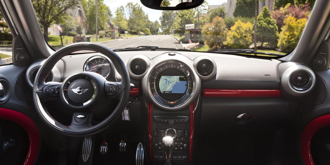Mini Countryman JWC, Cockpit