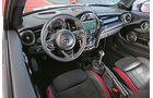 Mini John Cooper Works Pro, Cockpit