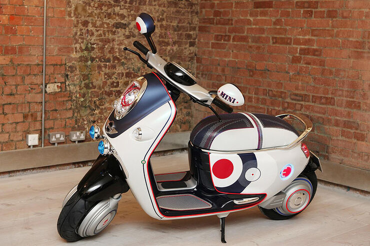 mini scooter e concept elektro roller auf dem pariser autosalon auto motor und sport. Black Bedroom Furniture Sets. Home Design Ideas