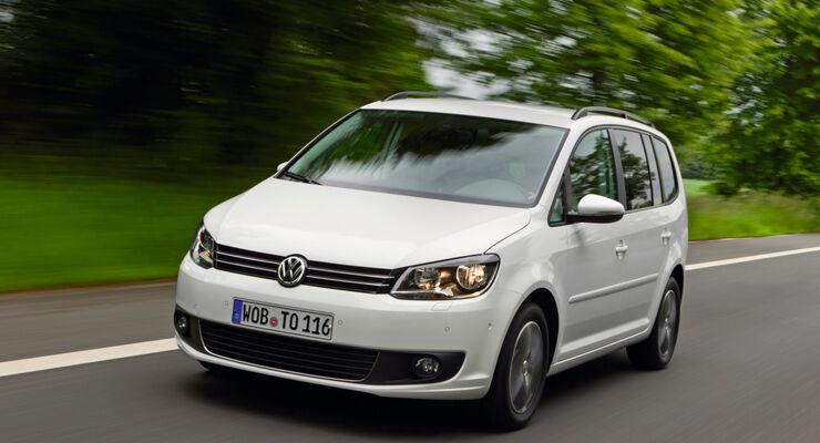 Mit Erfolgsmodellen wie dem Touran konnte VW den Abstand auf Toyota weiter verkürzen.