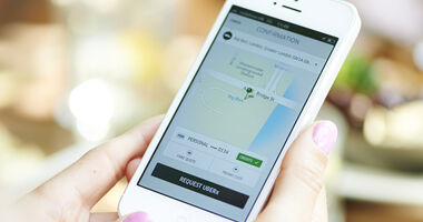 Mit der App Uber Pop lassen sich Mitfahrgelegenheiten per Smartphone buchen.
