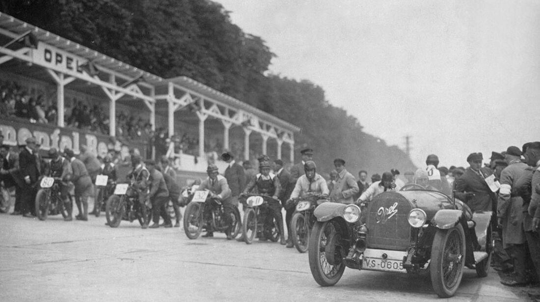 Motorradrennen auf der Opel-Rennbahn 1923