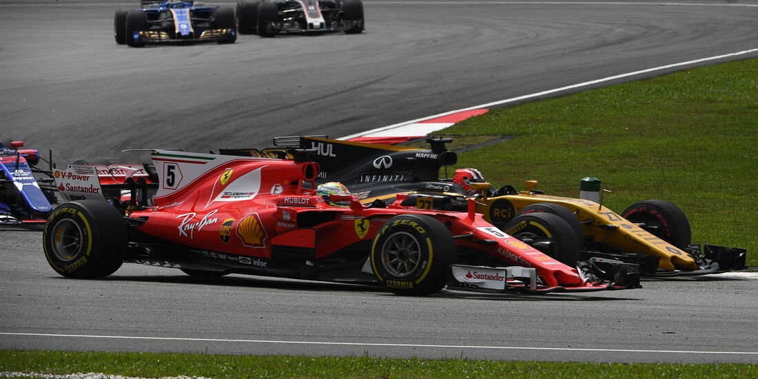 Nico Hülkenberg vs. Sebastian Vettel - GP Malaysia 2017