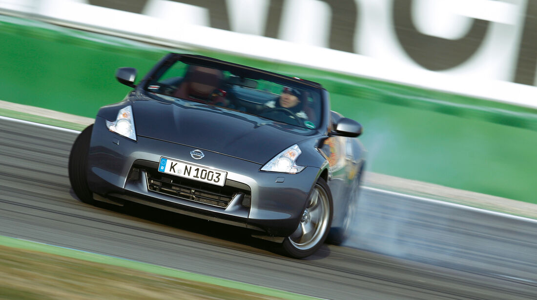 Nissan 370Z Roadster, Frontansicht, Driften