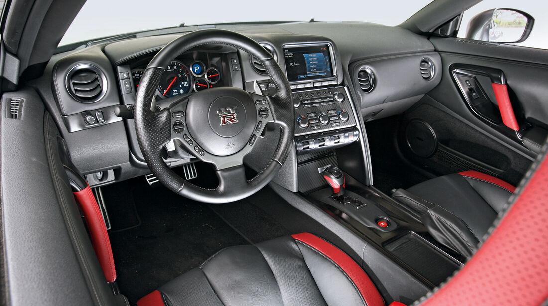 Nissan GT-R, Cockpit