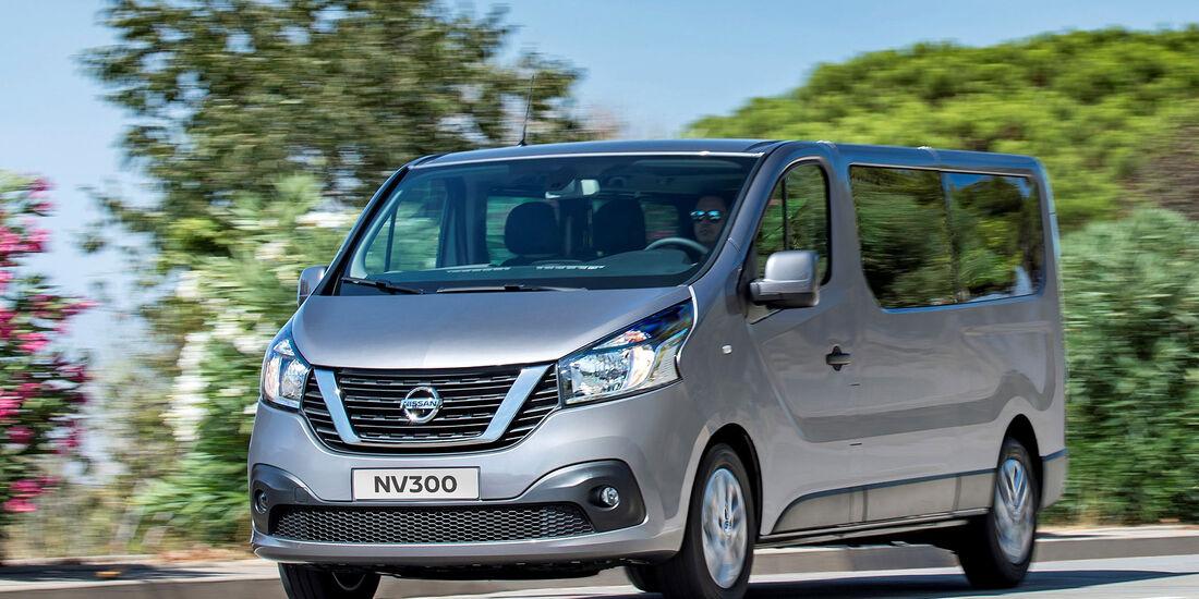 Nissan NV300 Schriftzug