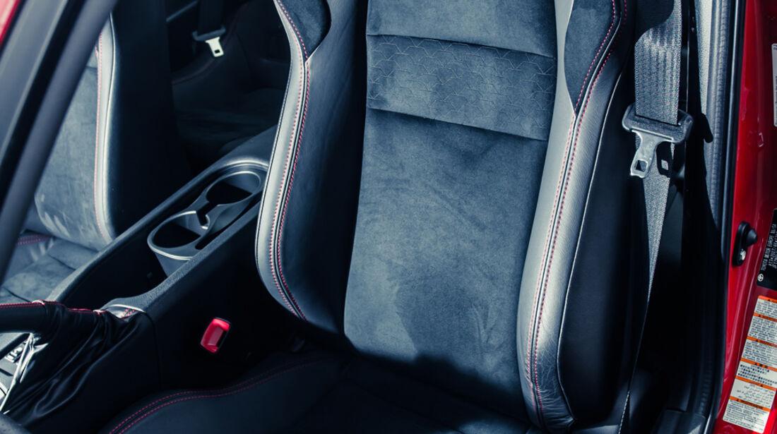 Novidem-Toyota GT86, Fahrersitz