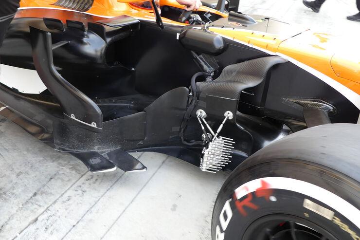 https://imgr2.auto-motor-und-sport.de/Oliver-Turvey-McLaren-Honda-Formel-1-Testfahrten-Bahrain-International-Circuit-Dienstag-18-4-2017-fotoshowBig-e34c74c8-1065970.jpg